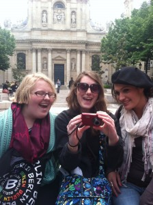 Claire, Courtney, and Stephani in front of the Sorbonne